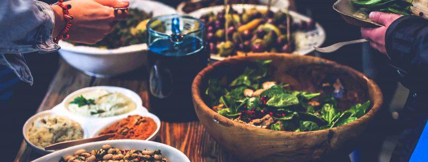 food-salad-dinner-eating_Klein